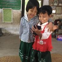 (Español) Donación en el Colegio Thone Pan Hla 9-11-2018
