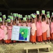 (Español) Primeras entregas de material escolar nuevo curso escolar en Birmania