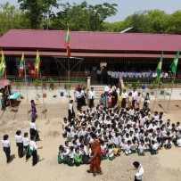 Inauguración nueva escuela en Nyan Kone Village School