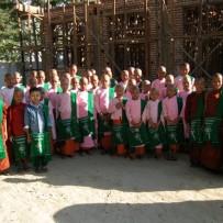 Donación Mochilas Escolares Tradicionales Birmanas.